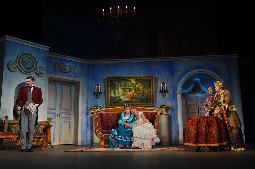 Большие гастроли Крымско-татарского театра