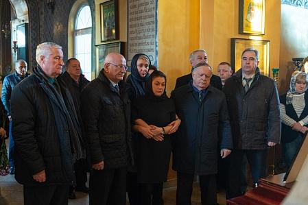 Оренбуржцы прощаются с погибшими в авиакатастрофе