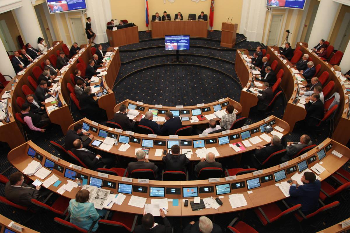 Ушли в ноль. Депутаты Оренбуржья приняли бюджет 2019 года