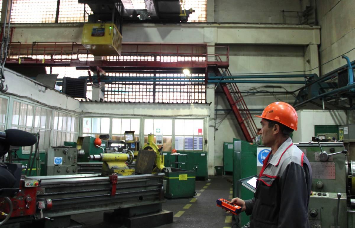 Металлоинвест переводит мостовые краны на дистанционное управление