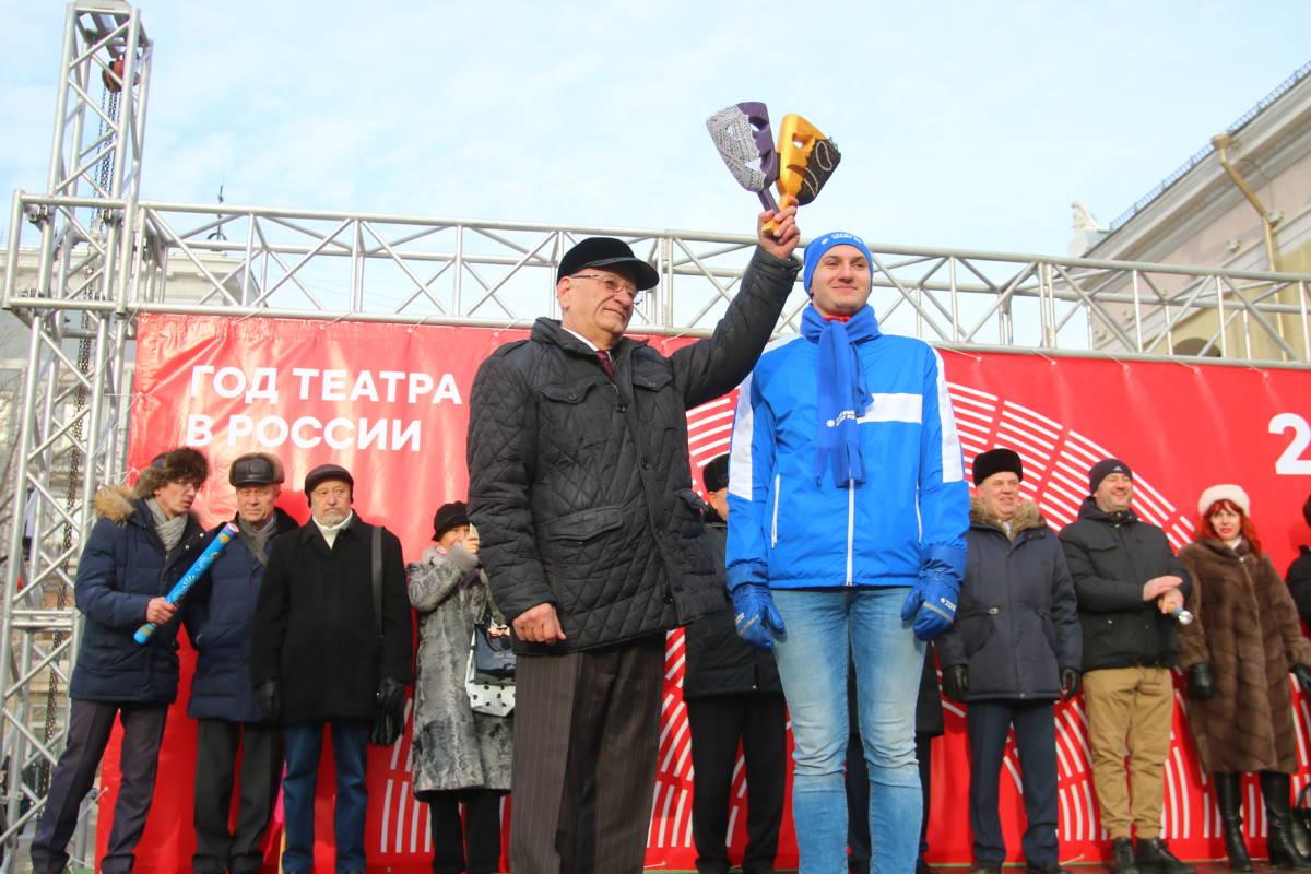 Оренбуржцы встретили год лицедейства