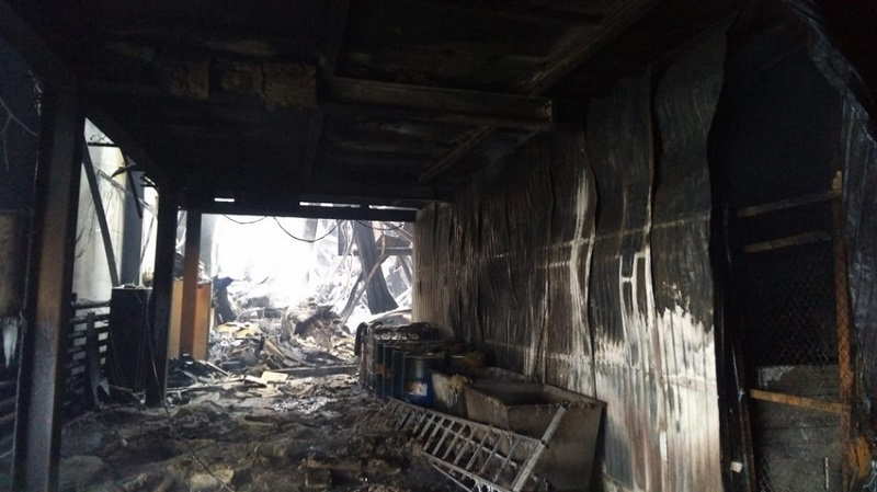 После пожара: завод  восстанавливают
