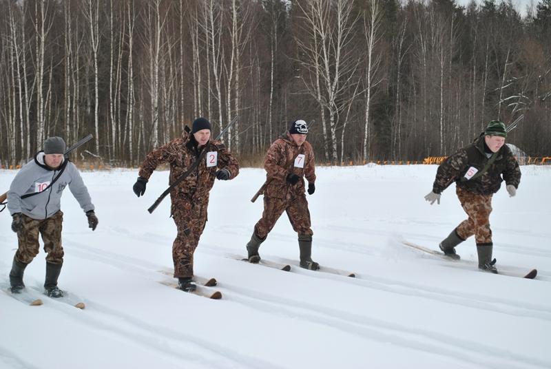 Со своим ружьем и лыжами
