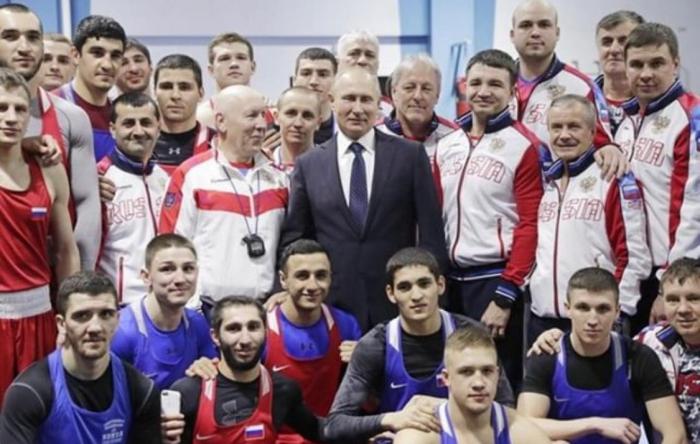Владимир Путин отметил оренбургского боксера