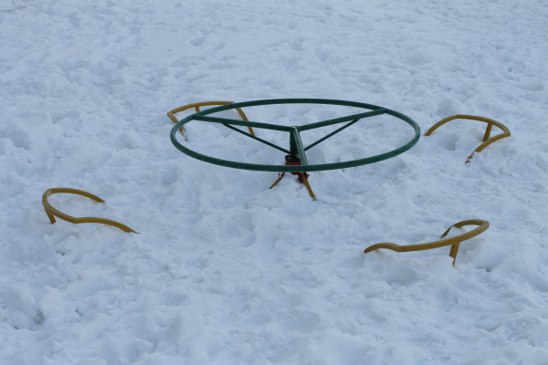Активисты ОНФ проверили уборку снега во дворах Оренбурга