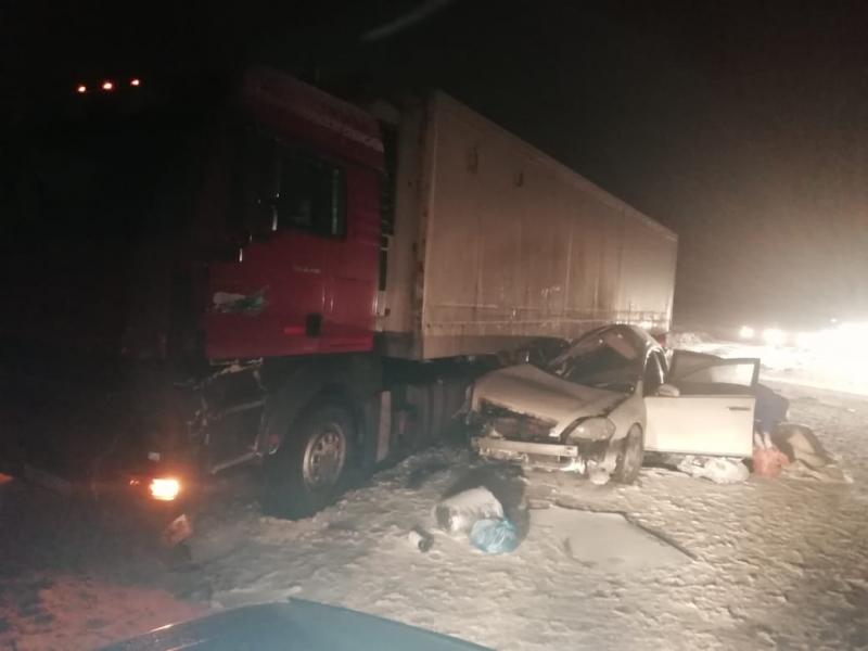 Под Оренбургом 2 человека погибли в ДТП