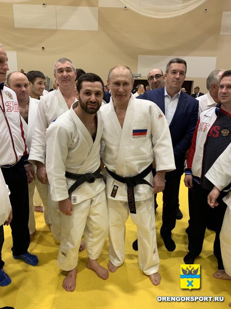 Путин пожелал Роберту успехов