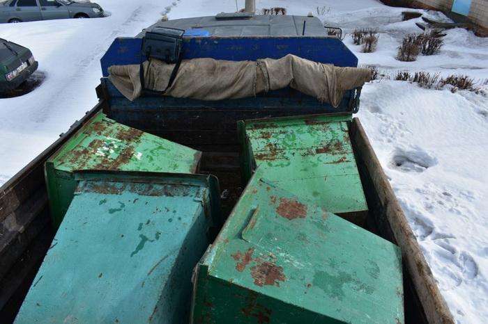 В Новотроицке задержана банда похитителей мусорных баков