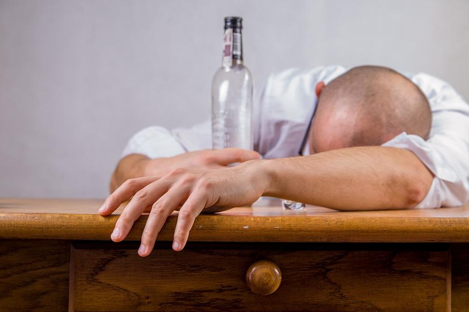 В Оренбуржье учитель ОБЖ сел пьяным за руль
