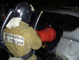 В Оренбурге ночью загорелся автомобиль