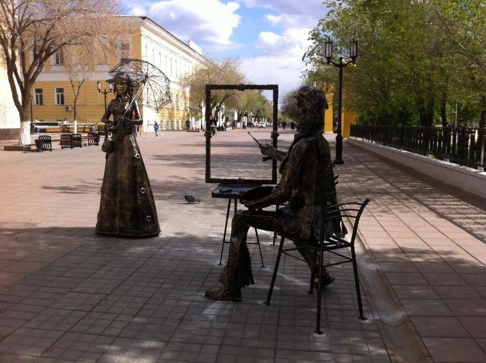 Центр Оренбурга украсила новая скульптура