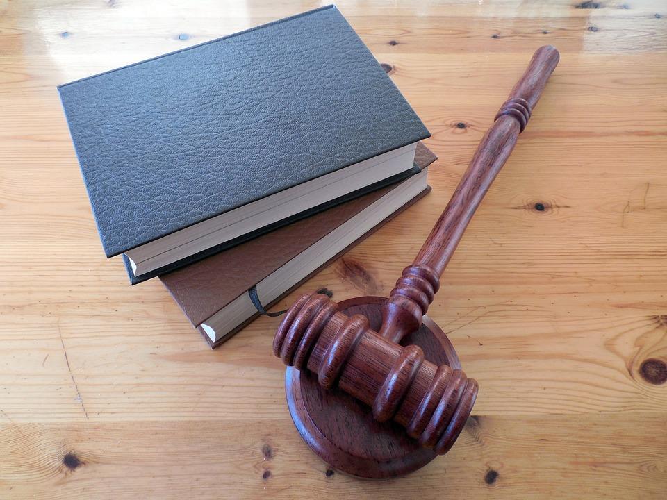 Преподаватель Оренбургского госуниверситета осуждена за взятки