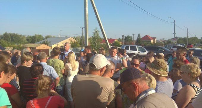 Мэр Оренбурга и жители Ростошей не смогли договориться о строительстве новой дороги