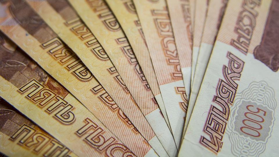 В Оренбуржье осудили дальнобойщика из Алтая, который пытался дать взятку инспектору ГИБДД