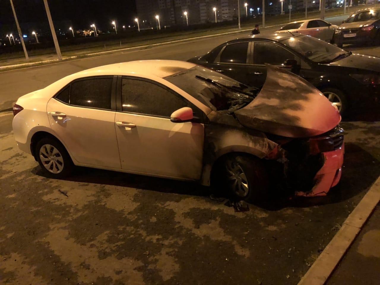 В Оренбурге подожгли автомобиль, который ранее уже горел на улице Поляничко