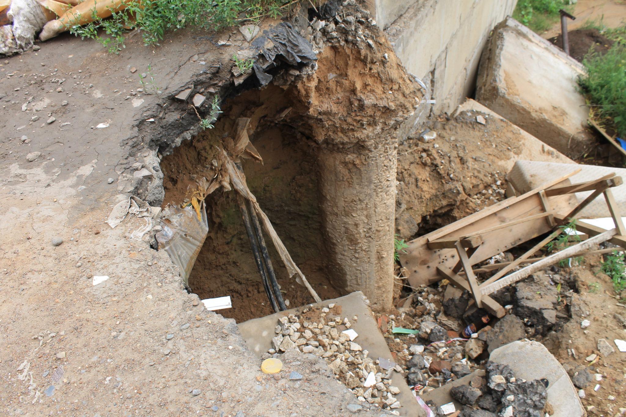 ЧП в Бузулуке: 3 дома «сползают» по грунту