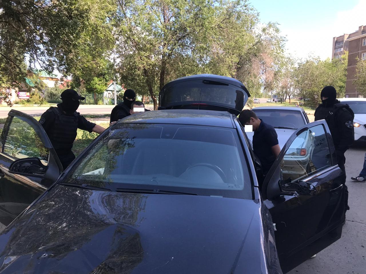 В Оренбурге неизвестные под видом полицейских пытались ограбить бизнесмена