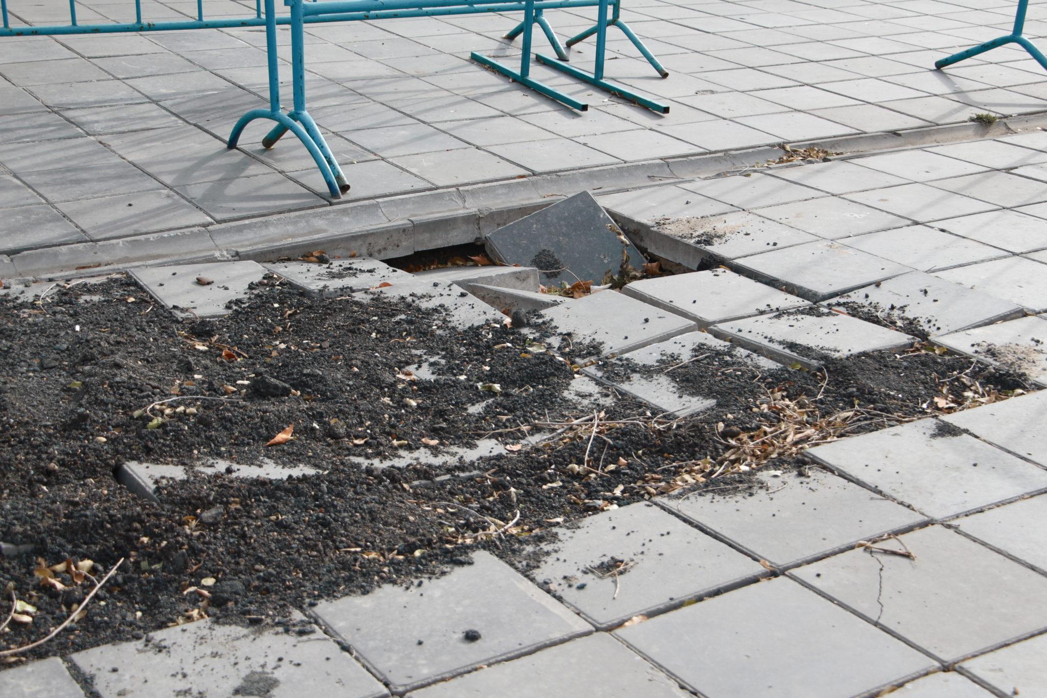 В администрации Оренбурга заявили, что обвалы около «Атриума» не опасны