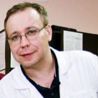 В Оренбурге ушел из жизни нейрохирург больницы им. Пирогова Роман Садыков
